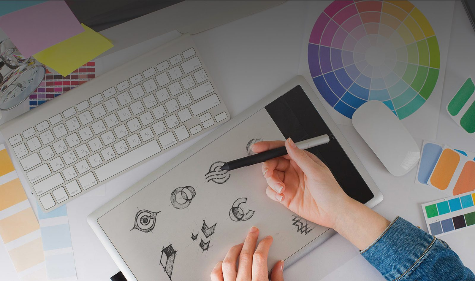 How To Design A Professional Logo To Create Brand Identity